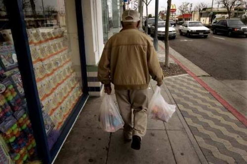 la-ed-plastic-bag-ban-20120404-001.jpg