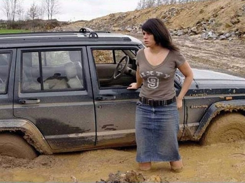 women-drivers-stuck-in-the-mud.jpg