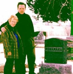 Mom.Gravesite.jpg